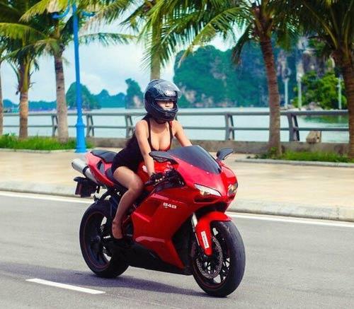 """Những hot girl 9x """"nên duyên"""" với xe môtô - 7"""