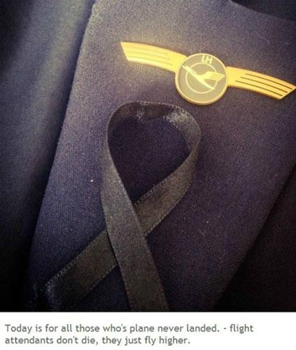Tiếp viên hàng không thế giới đồng loạt đeo ruy băng đen - 5