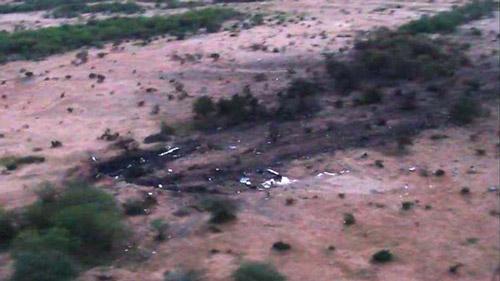 Hình ảnh đầu tiên về hiện trường máy bay Algeria rơi - 1