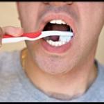 Sức khỏe đời sống - Những sự thật 'kinh hoàng' về bàn chải đánh răng