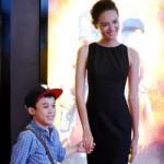 Phim - Ca sỹ 1m26 nắm tay mẫu nữ 1m75 đi xem phim