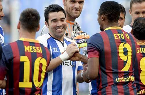 Messi, Eto'o tỏa sáng ngày chia tay Deco - 1
