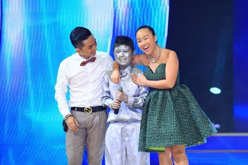 """Đoan Trang """"dụ"""" thí sinh nhí bằng chiêu độc - 11"""
