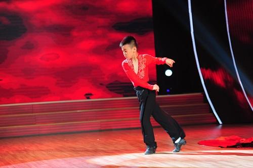 """Đoan Trang """"dụ"""" thí sinh nhí bằng chiêu độc - 5"""