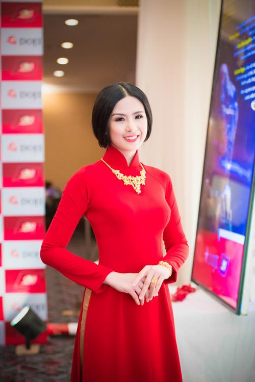 Người đẹp Hà Thành đọ nhan sắc khi đi tiệc - 4