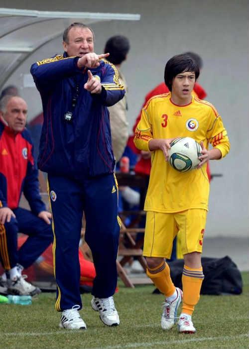 Cầu thủ gốc Việt có cơ hội dự UEFA Champions League - 1
