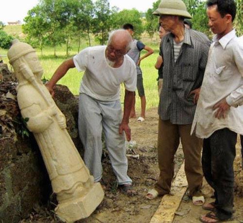 Phát hiện tượng cổ bằng đá còn nguyên vẹn ở Hà Tĩnh - 2