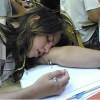 Truyện tranh: Bạn gái ngủ trong lớp, phải làm gì?