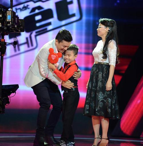 """Cẩm Ly ngỡ ngàng mất """"quý tử"""" The Voice Kids - 3"""