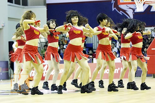 """Dàn hotgirl """"bốc lửa"""" cổ vũ Saigon Heat - 4"""