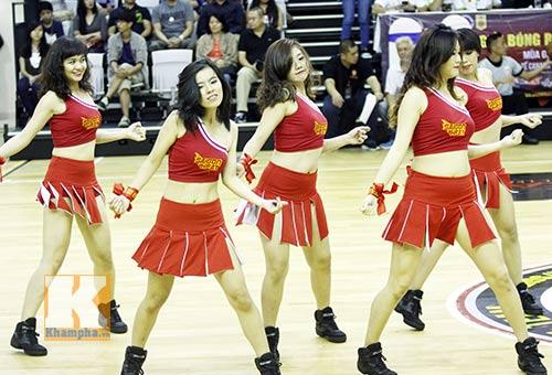 """Dàn hotgirl """"bốc lửa"""" cổ vũ Saigon Heat - 5"""