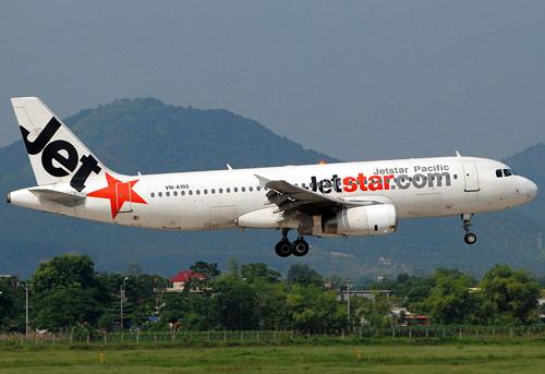 Mất liên lạc 4 phút, máy bay Jetstar phải hạ cánh lần 2 - 1