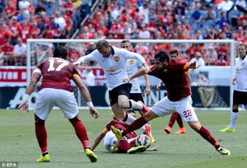 """Van Gaal gây sốc, Rooney """"hết cửa"""" làm đội trưởng - 1"""