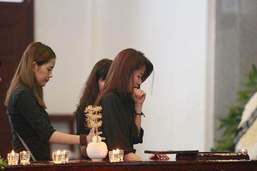 An Nguy khóc nức nở trước linh cữu Toàn Shinoda - 11