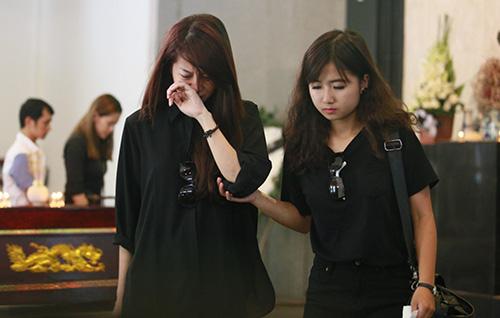 An Nguy khóc nức nở trước linh cữu Toàn Shinoda - 12