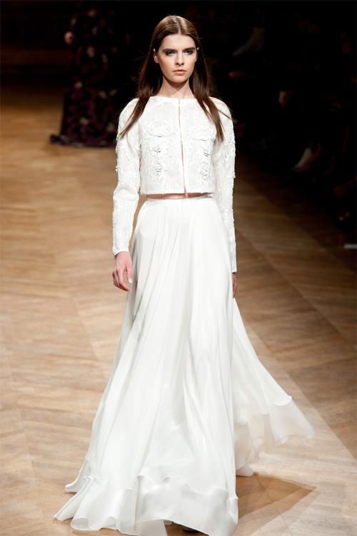 """Những bộ váy cưới xa xỉ khiến bạn phải """"đứng hình"""" - 15"""