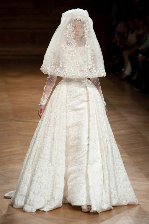 """Những bộ váy cưới xa xỉ khiến bạn phải """"đứng hình"""" - 16"""