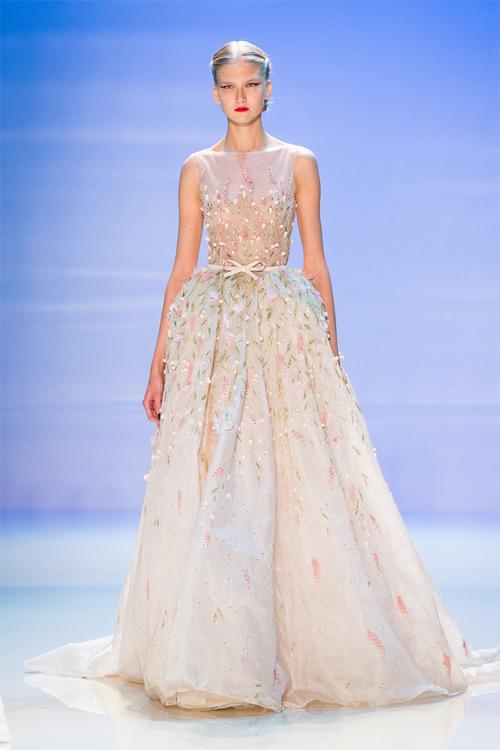 """Những bộ váy cưới xa xỉ khiến bạn phải """"đứng hình"""" - 9"""