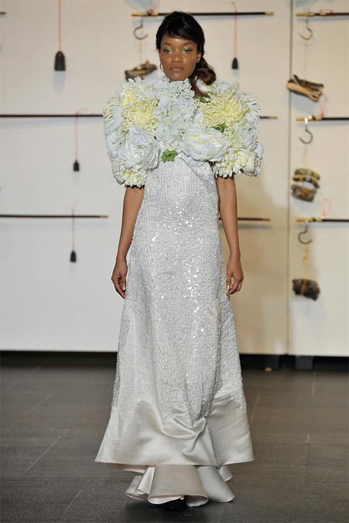 """Những bộ váy cưới xa xỉ khiến bạn phải """"đứng hình"""" - 10"""