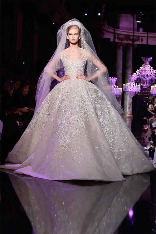 """Những bộ váy cưới xa xỉ khiến bạn phải """"đứng hình"""" - 3"""