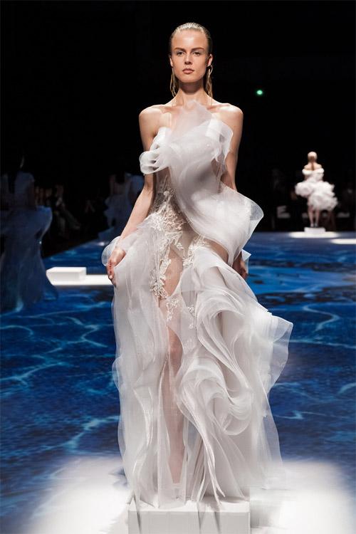 """Những bộ váy cưới xa xỉ khiến bạn phải """"đứng hình"""" - 5"""