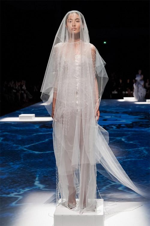 """Những bộ váy cưới xa xỉ khiến bạn phải """"đứng hình"""" - 6"""