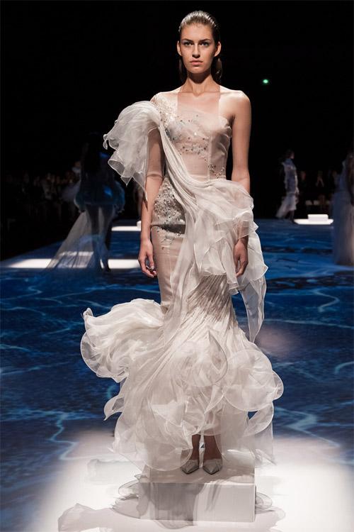 """Những bộ váy cưới xa xỉ khiến bạn phải """"đứng hình"""" - 7"""