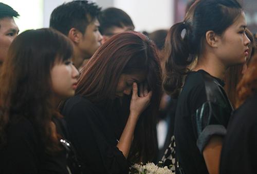 An Nguy khóc nức nở trước linh cữu Toàn Shinoda - 9