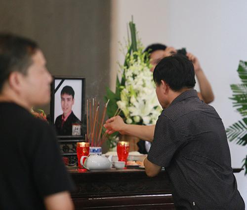 Bố mẹ Toàn Shinoda lặng người trước di ảnh con - 5