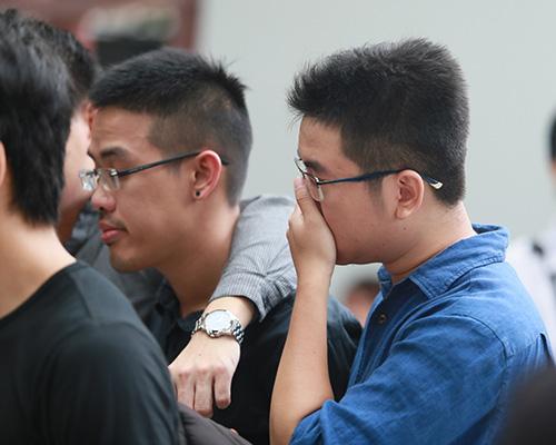 Bố mẹ Toàn Shinoda lặng người trước di ảnh con - 17