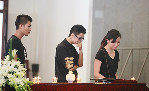 Bố mẹ Toàn Shinoda lặng người trước di ảnh con - 8