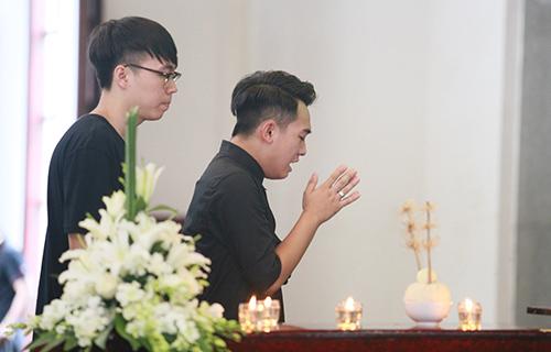 Bố mẹ Toàn Shinoda lặng người trước di ảnh con - 7