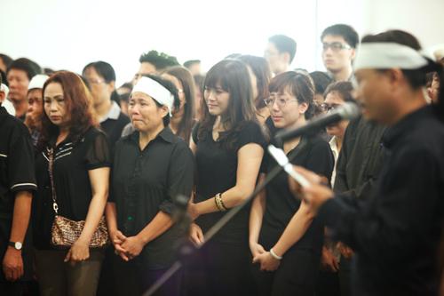 Dòng người tiễn đưa Toàn Shinoda về nơi an nghỉ - 3