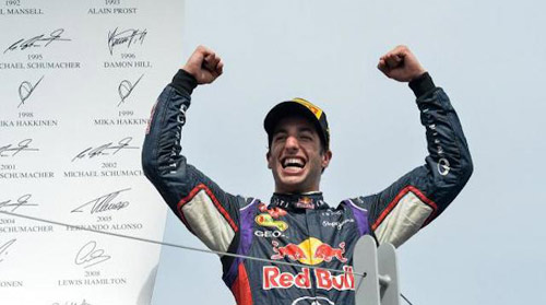 Hungarian GP: Ricciardo lại cản đường Mercedes - 1