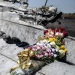 Tin tức trong ngày - Nhận dạng được nạn nhân đầu tiên trong vụ MH17