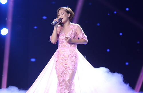 Nhóm hát giả gái, nhái giọng gây náo loạn X-Factor - 9