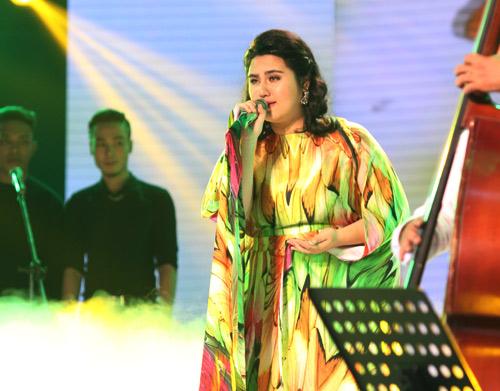Nhóm hát giả gái, nhái giọng gây náo loạn X-Factor - 6