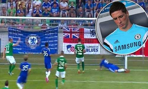 Torres bỏ lỡ cơ hội không tưởng từ cự ly ...2m - 1