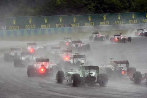 Mất lái, tay đua F1 đối mặt với tử thần - 1