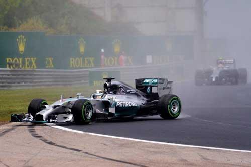 Mất lái, tay đua F1 đối mặt với tử thần - 3