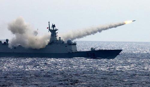 Trung Quốc diễn tập bắn đạn thật ở Biển Đông - 1