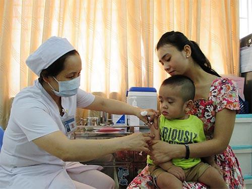 Phân biệt các biểu hiện sau tiêm vắc-xin - 1