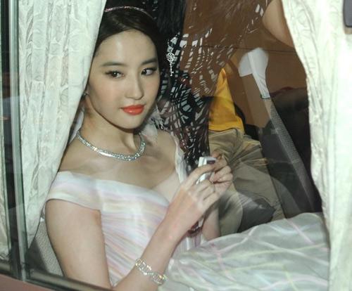 Thí sinh hoa hậu bikini nô nức khoe dáng - 14