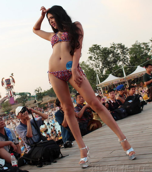 Thí sinh hoa hậu bikini nô nức khoe dáng - 7