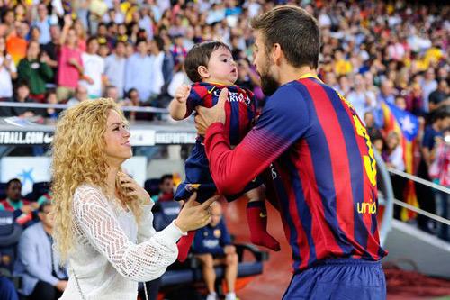 Shakira mang thai con thứ 2 với Gerard Pique - 1