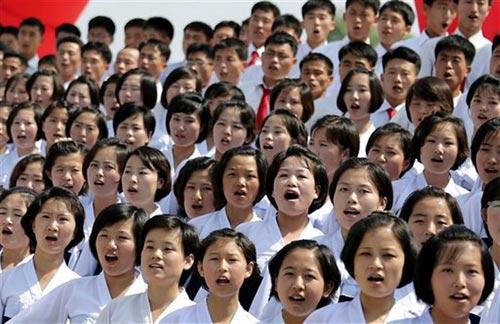 Triều Tiên bắn pháo hoa kỷ niệm ngày đình chiến - 5