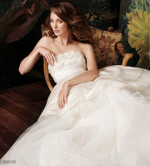 Đẹp xao lòng cùng váy cưới cổ điển - 11