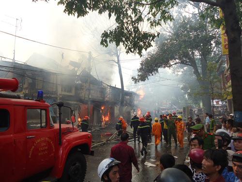 Cháy lớn tại TP Buôn Ma Thuột, 11 cửa hàng bị thiêu rụi - 5
