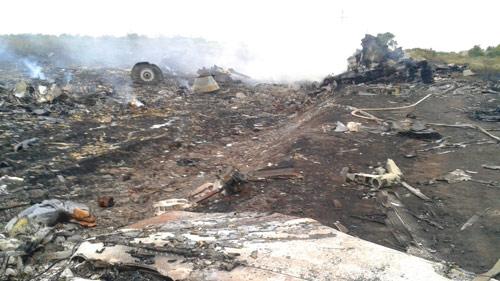 Phái đoàn quốc tế không dám đến gần xác MH17 - 1