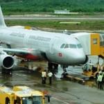 Tin tức trong ngày - Máy bay Jetstar mất liên lạc: Đình chỉ kiểm soát không lưu